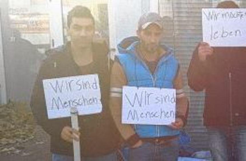 Flüchtlinge protestieren still gegen ihre Unterbringung - Schwetzingen - Nachrichten und Informationen