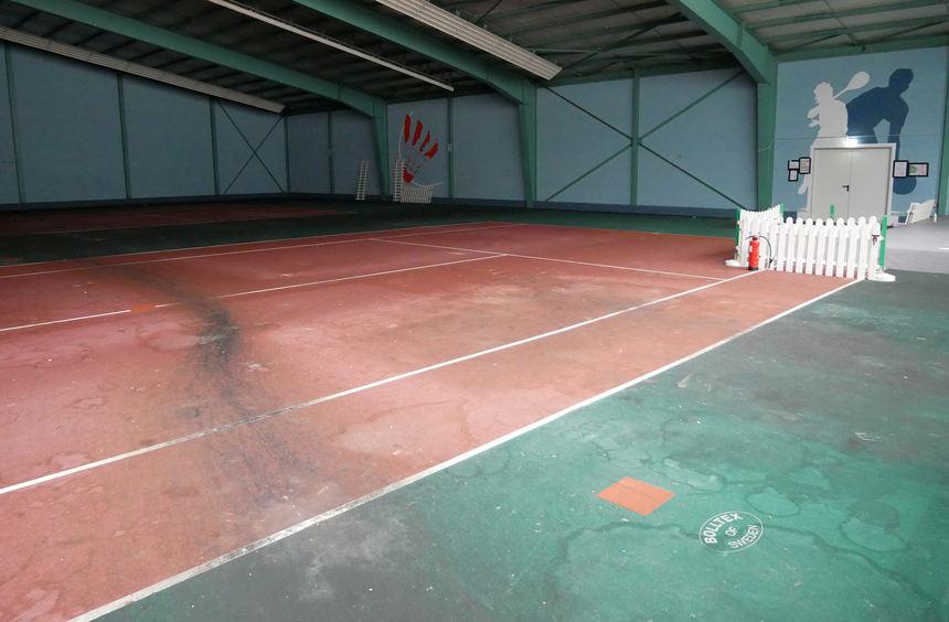 Schwetzingen: Sportzentrum Racket Club nach Nutzung als Flüchtlingsunterkunft in miserablem Zustand - Fotos